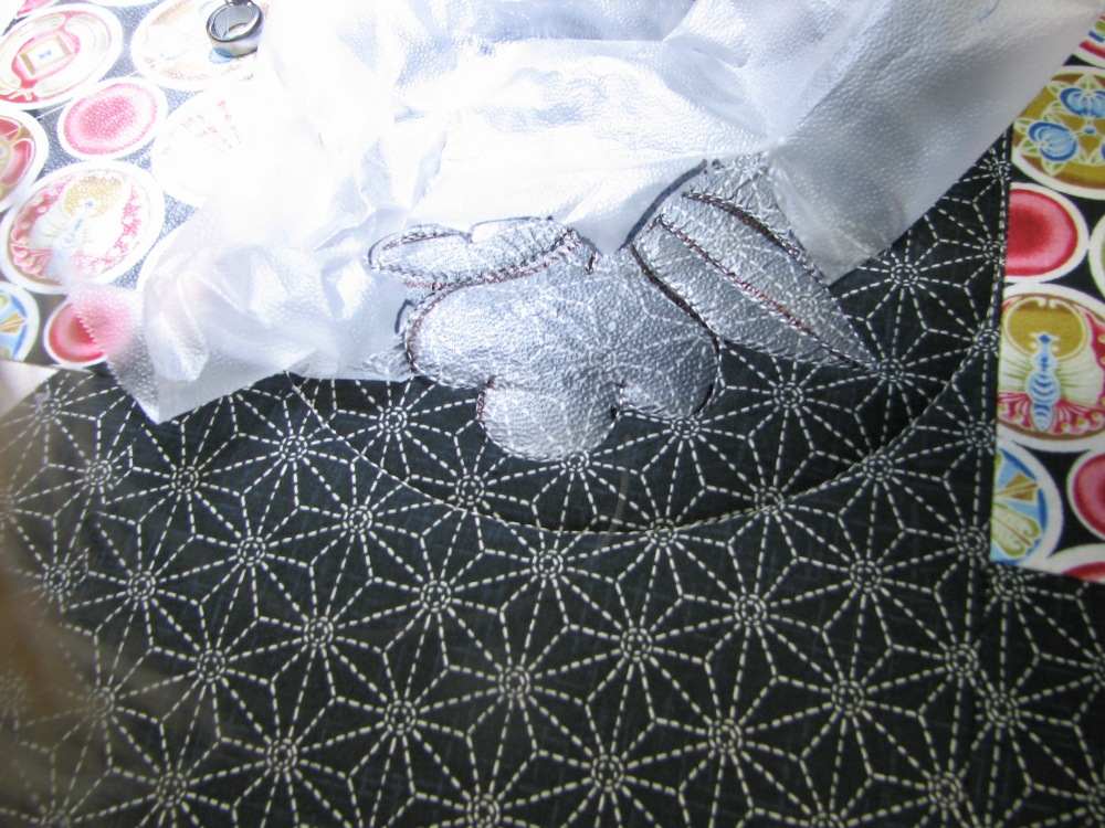 Marking a Quilt using Press 'n Seal (4/6)