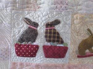 Joan's quilt 2 017