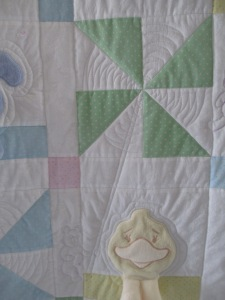 Leanne's baby quilt 006
